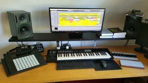 Tonstudio Arbeitsplatz Musikproduktion 2